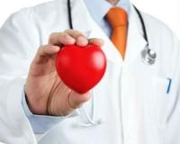 Трудовое ведомство запретило понижать «вредные» доплаты работникам медицины